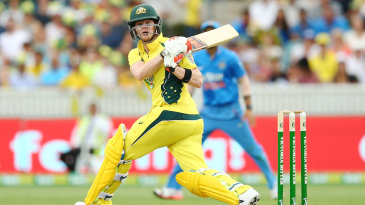 Steven Smith swipes one to the leg side