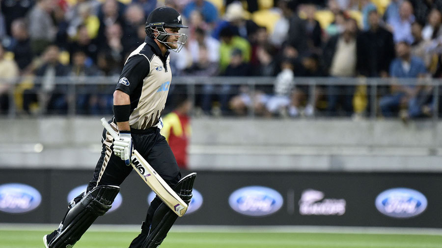 Corey Anderson remained unbeaten on 82 off 42 balls