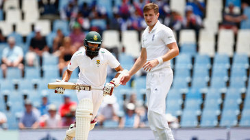 Chris Woakes struggled for control on his recall to the Test side