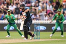 Grant Elliott was bowled for a second-ball duck, New Zealand v Pakistan, 1st ODI, Basin Reserve, Wellington, January 25, 2016