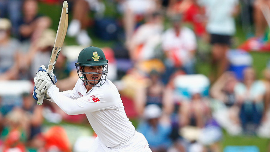 Quinton de Kock drives during his century