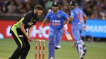 Andrew Tye missed a chance to run Suresh Raina out