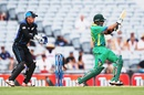 Babar Azam pulls during his half-century, New Zealand v Pakistan, 3rd ODI, Auckland, January 31, 2016