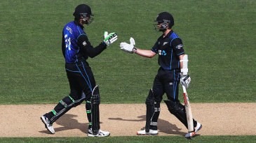 Martin Guptill and Kane Williamson added 159 for the second wicket