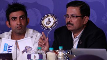 Gautam Gambhir and Venky Mysore, CEO of Kolkata Knight Riders, bid for a player