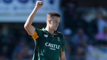 Morne Morkel returned to remove Eoin Morgan and Ben Stokes