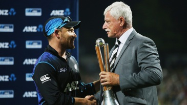 Brendon McCullum receives the Chappell-Hadlee trophy from Sir Richard Hadlee