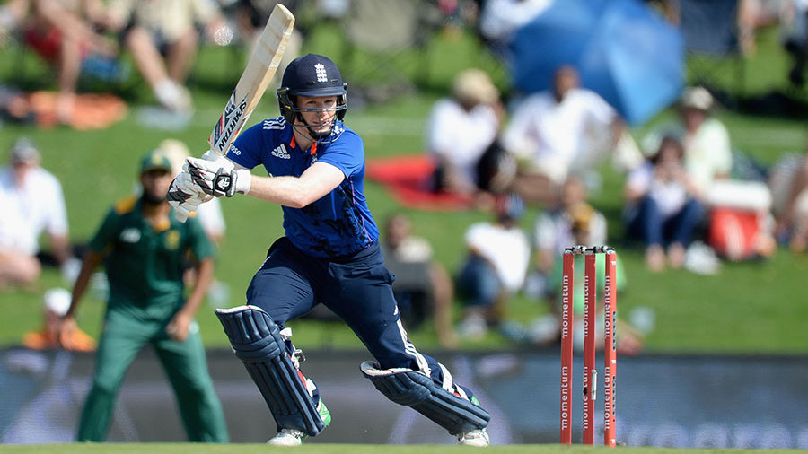 ... and Eoin Morgan struggled for timing in his 8 for 24 balls