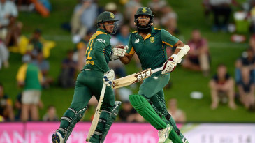 Quinton de Kock and Hashim Amla launched South Africa's run-chase with a century stand