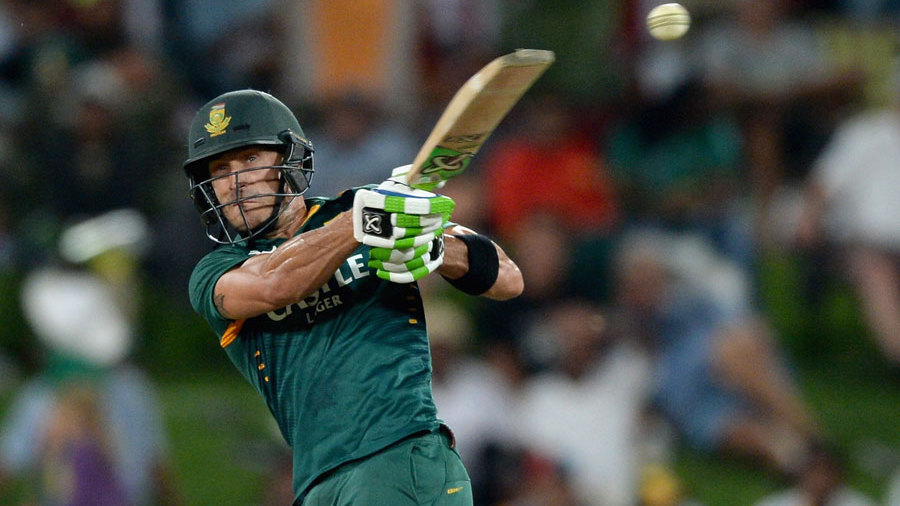 Both fell before the end but Faf du Plessis sealed a seven-wicket victory with 22 balls to spare