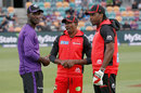 Darren Sammy, Dwayne Bravo and Chris Gayle have a chat, BBL, Hobart, January 4, 2016