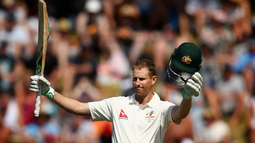 Adam Voges acknowledges the applause on his fifth Test hundred