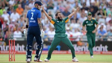 Imran Tahir made the opening breakthrough
