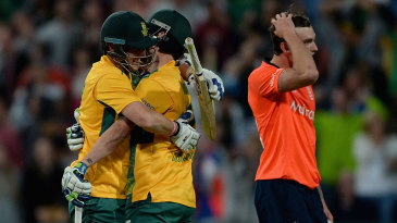 Contrasting emotions: South Africa celebrate while Reece Topley rues his error