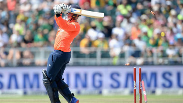 Jason Roy's difficult innings was ended by Kagiso Rabada