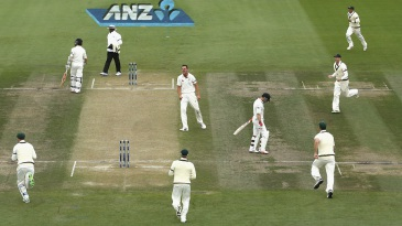 Australia celebrate the wicket of Brendon McCullum