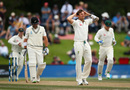 Hands on head for James Pattinson, New Zealand v Australia, 2nd Test, Christchurch, 4th day, February 23, 2016