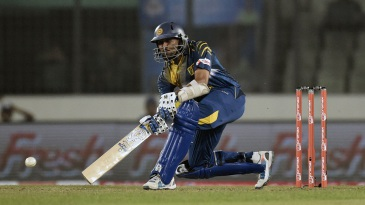 Tillakaratne Dilshan lines up to play a scoop