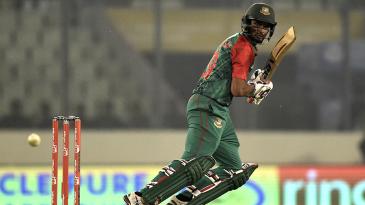 Mahmudullah's unbeaten 36 gave Bangladesh a late lift