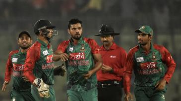 Mashrafe Mortaza struck with key wickets