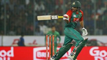 Soumya Sarkar targets the leg side