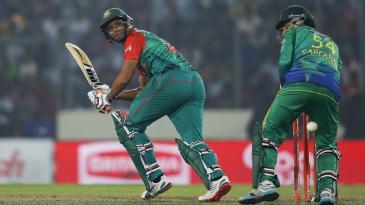 Mahmudullah took Bangladesh home in a tense chase