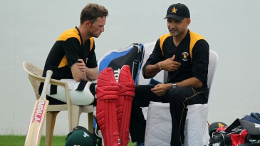 Sean Williams and Marvan Atapattu have a chat