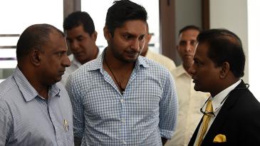 Aravinda de Silva and Kumar Sangakkara chat with SLC president Thilanga Sumathipala