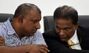 Aravinda de Silva has a word with SLC president Thilanga Sumathipala, Colombo, March 8, 2016