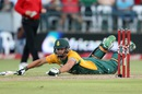 Rilee Rossouw dives to make his ground, South Africa v Australia, 3rd T20, Cape Town, March 9, 2016