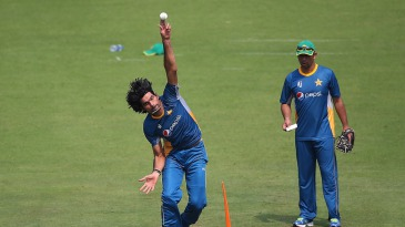 Mohammad Irfan bowls at a net session