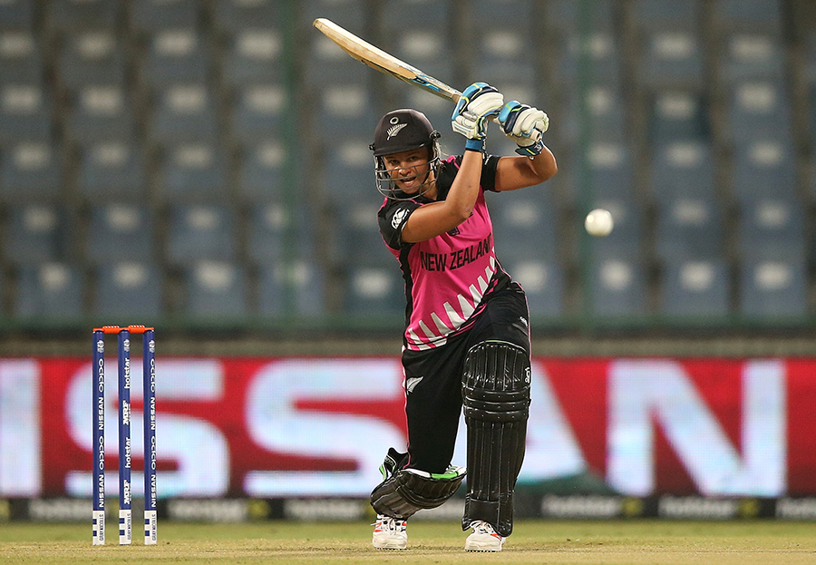 Top 17 Questions With :    Suzie Bates, New Zealand women's captain