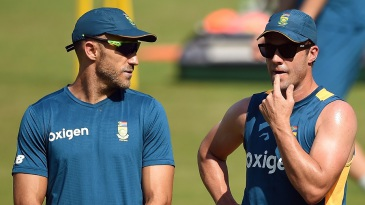 Faf du Plessis and AB de Villiers have a chat during South Africa's training session