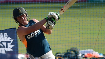 AB de Villiers practices his big hitting in the nets