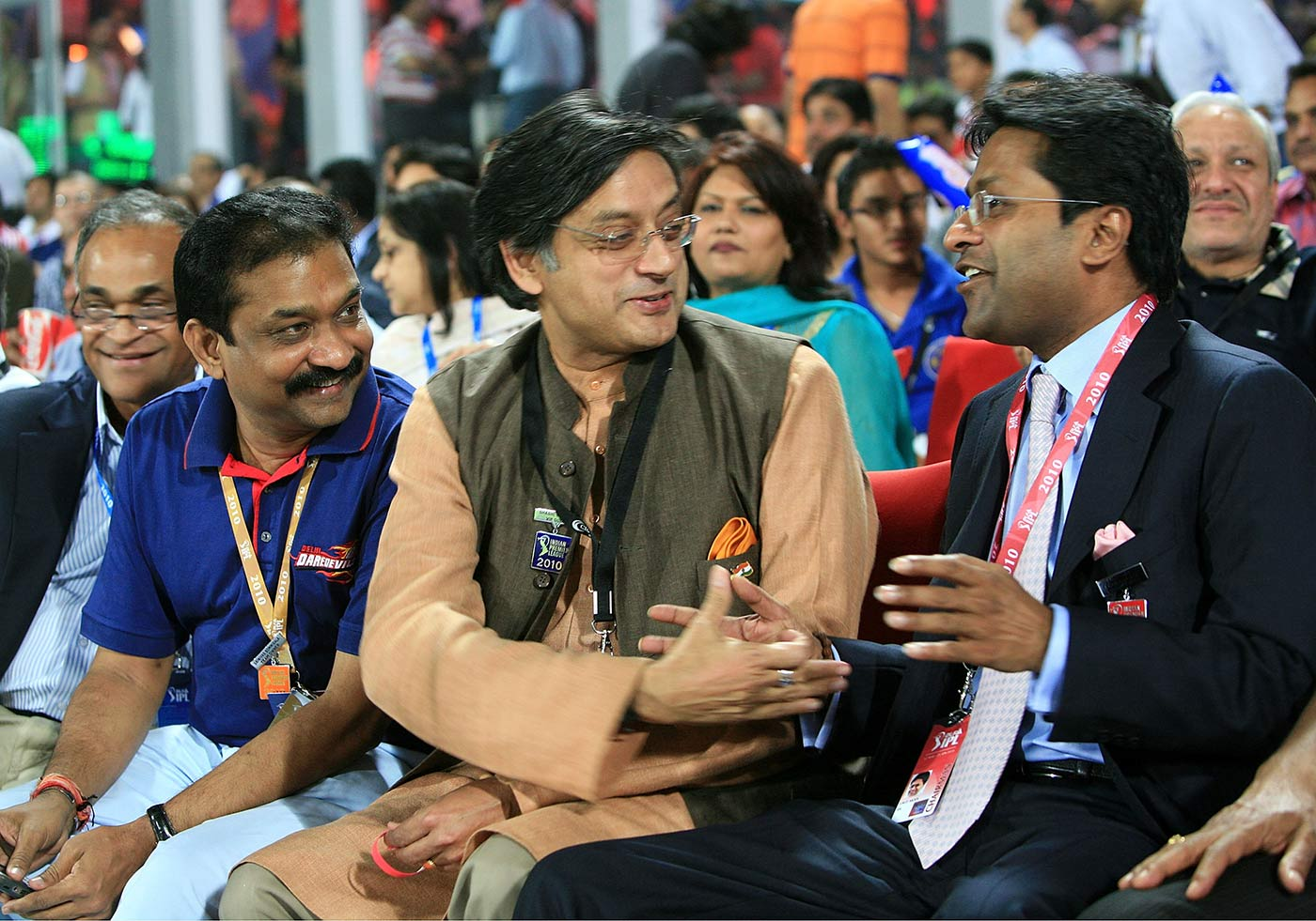 Shashi Tharoor and Lalit Modi in 2010, before the league was wracked by scandal
