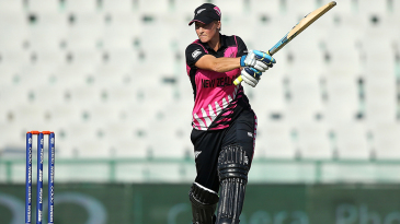 Sophie Devine struck three fours and two sixes in her 34-ball 47
