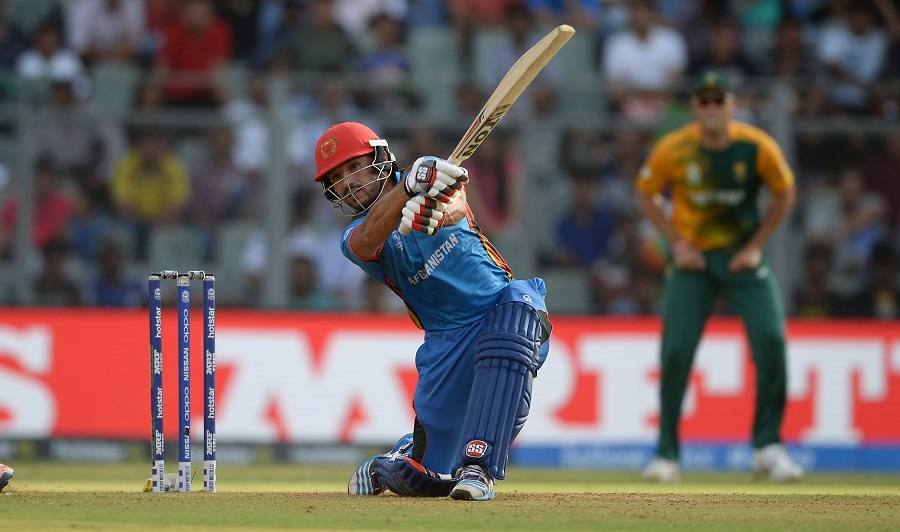 Gulbadin Naib continued the good work with Noor Ali Zadran, adding 45 for the third wicket off 31 balls