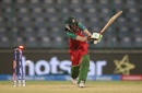 Salma Khatun is cleaned up by Asmavia Iqbal, Bangladesh v Pakistan, Women's World T20 2016, Group B, Delhi, March 24, 2016