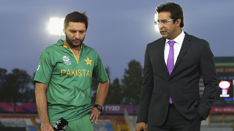 Shahid Afridi and Wasim Akram stand for a TV interview after Pakistan's loss, Australia v Pakistan, World T20 2016, Group 2, Mohali, March 25, 2016