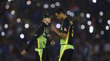 Steven Smith and Nathan Coulter-Nile plot away