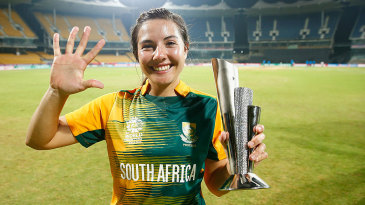 Sune Luus with her Player-of-the-Match award