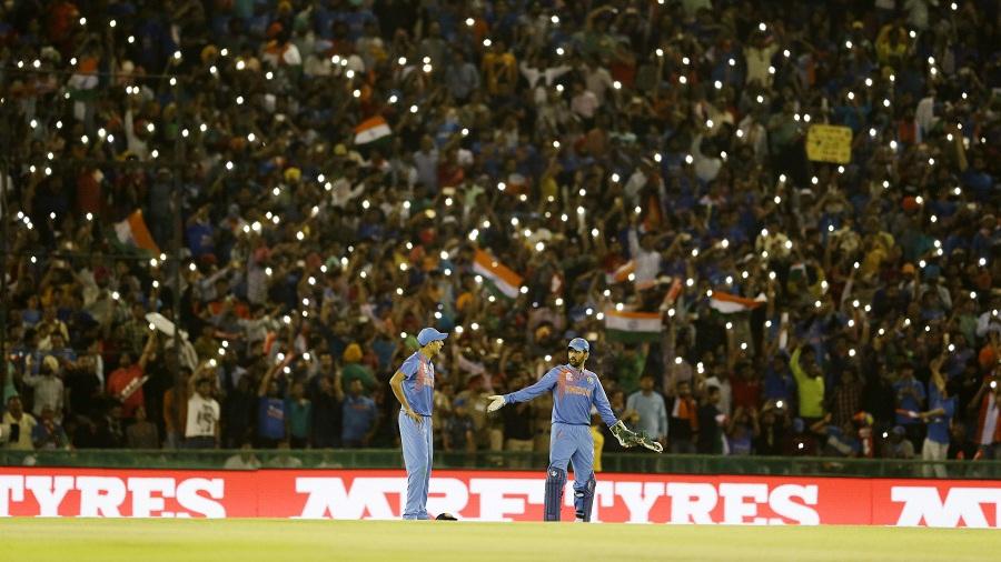 Ashish Nehra Backs Under-Fire MS Dhoni To Play 2020 World T20 3