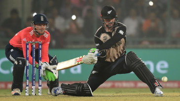 Colin Munro brings out the switch hit