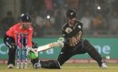 Colin Munro brings out the switch hit, England v New Zealand, World T20 2016, semi-final, Delhi, March 30, 2016