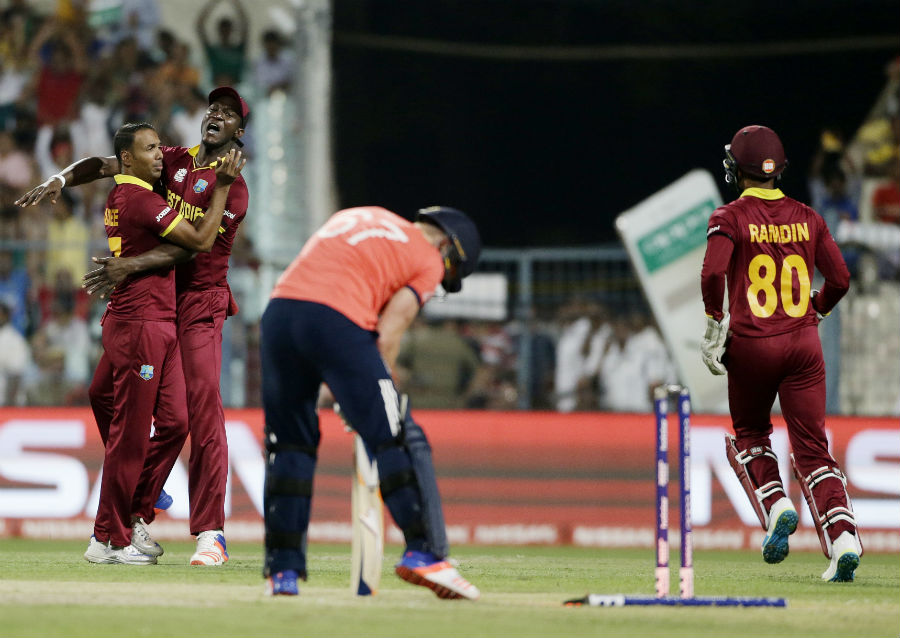Darren Sammy won his sixth toss in the tournament and opted to bowl. Samuel Badree made the most of that luck, bowling Jason Roy in the first over