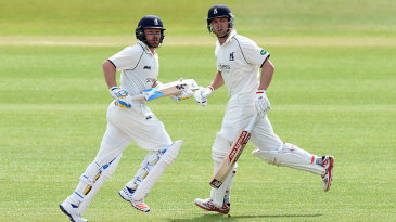 Ian Bell and Jonathan Trott run between the wickets