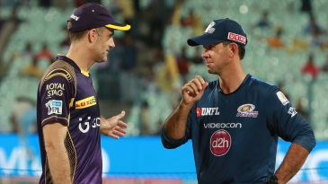 Kolkata Knight Riders assistant coach Simon Katich and Mumbai Indians head coach Ricky Ponting have a chat