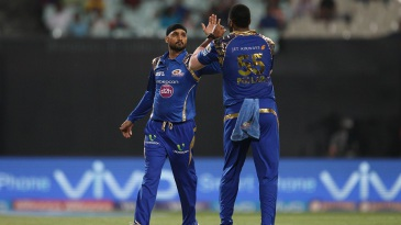 Harbhajan Singh celebrates the wicket of Manish Pandey