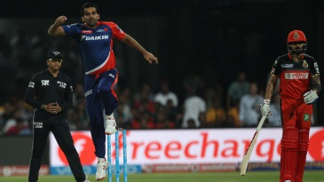 Zaheer Khan is ecstatic after dismissing Chris Gayle early