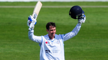 Wayne Madsen's 150 led Derbyshire to a strong total